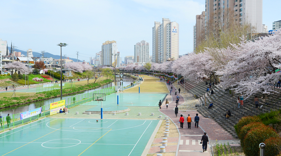 Oncheon Stream Park